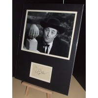 MITCHUM Robert Night of the Hunter Vintage Genuine Signed Display UACC COA