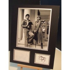 The NEW AVENGERS Gareth Hunt & Joanna Lumley Signed Display UACC COA