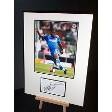 DROGBA Didier Chelsea Signed Display UACC COA