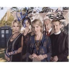 Dr Who Cast Signed x5 723G UACC