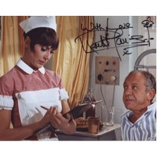 HARRIS Anita Carry On Doctor Signed Photo 506G UACC COA