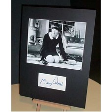 QUANT Mary Fashion Icon Signed In-Person Display UACC COA