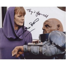 The SARAH JANE ADVENTURES Cast Signed x2 Photo 357H UACC COA